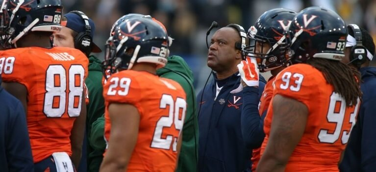 Free pick - Virginia Cavaliers take on the Notre Dame Fighting Irish