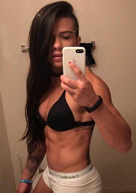 UFC beauty Claudia Gadelha