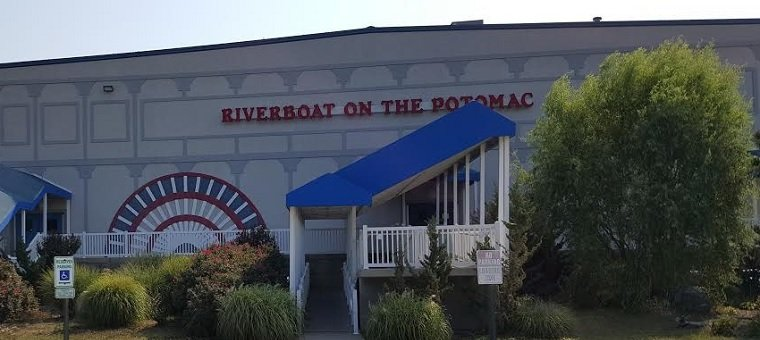 Riverboat on-the-Potomac